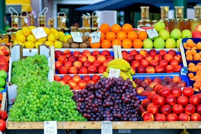 Ларек с фруктами